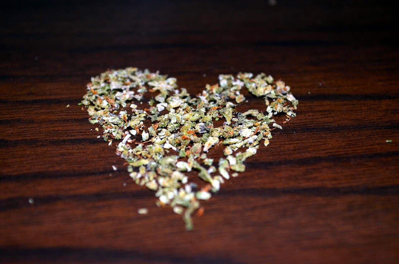 Cannabis in the form of heart symbolizing the health benefits of CBD